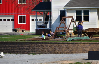 amish children playing