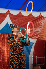 Juggler (Luca Quadrio) Tags: fun joke young art spectacle show people agility italy play performance costume adult sardinia action actor entertainment colorful circus clown artist funny cassolnovo man juggling juggler amusement game juggle performer lombardia italia it
