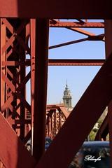 Talavera de la Reina. (blanferblanc) Tags: puente hierro estructura rio campanario talavera toledo castillalamancha
