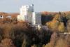 DSC_3788 Blick vom Segeberger Kalkberg zu den Gebäuden der Segeberger Kliniken, die hoch aus den herbstlichen Bäumen herausragen. (stadt + land) Tags: bad segeberg stadt schleswigholstein kalkberg gipsabbau bilder sehenswürdigkeiten fotos stadtrundgang stadtportrait gebäude segeberger kliniken hoch herbstliche bäumen