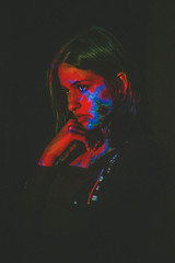 Javi (Audentis fortuna iuvat.) Tags: girl light colors chile canon canonchile chilean contrast chill artistic beauty