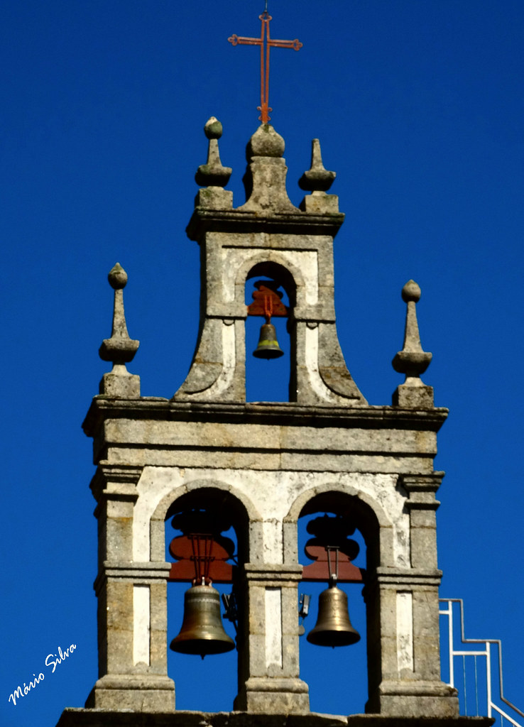 Águas Frias (Chaves) - ... torre sineira da igreja matriz ...