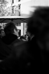 S'entrecroise, un regard (Rachelnazou) Tags: caffenol blackwhite minolta fomapan film analog argentique