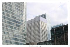 2018.04.01 La Défense 28 (garyroustan) Tags: paris france french iledefrance ile island building architecture ville ciudad city life defense