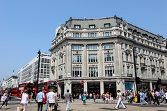LONDON CONVERGENCE (André Pipa) Tags: london candidstreetlondon londres uk england city convergence rush peopleonthestreet peoplecrossingstreets inglaterra britain photobyandrépipa
