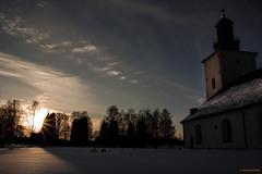 Grangärde kyrka (MIKAEL82KARLSSON) Tags: grangärde kyrka sverige sweden dalarna church chapel solnedgång graveyard kyrkogård pentax k70 mikael82karlsson