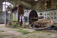 Mondo Generator (Strange Magic Rooms) Tags: lostplaces urbanexploring urbex decay lost verfall dust strangemagicrooms urbanexploration derelict forgotten vergessen abandoned verlassen rotten