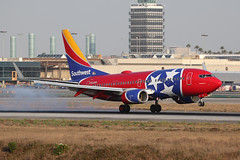 N922WN Southwest Airlines 737-700 KLAX (ColinParker777) Tags: southwest airlines airline airways boeing 737 73g 737700 737ng wm swa n922wn tennessee one scheme colours special livery touchdown landing plane airplane airliner air flying flight travel aviation aeroplane stars klax lax los angeles california usa american united states canon 200400 l pro lens zoom telephoto 5d 5d3 5dmk3 5diii 5dmkiii camera spotting planespotting