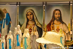 Lourdes 208-A (José María Gil Puchol) Tags: aquitaine basilique boutique catholique cathédrale cierge eaumiraculeuse fidèle fontaine france handicapé jeanpaulii josémariagilpuchol lourdes paysbasque prière pélèrinage religion