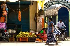 India 2017-101 (anuradhadeacon-varma) Tags: steppingout striding market streetphotography marketplace marigoldgarlands motorcycles garlands marigolds townscene sari bananas 2017 india jabalpur india2017