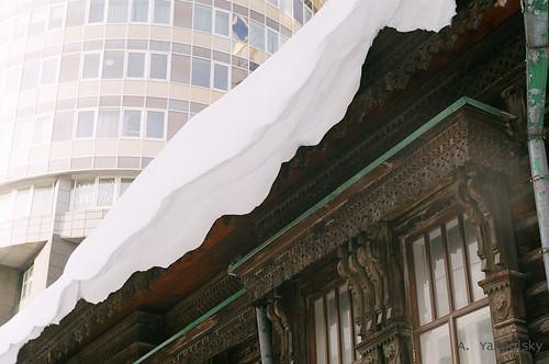 Здания стеклянное и деревянное ©  ayampolsky