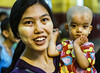Alegria (Nebelkuss) Tags: myanmar mandalay asia burma birmania mahamuni buda budismo buddhism retratos portrait niños children fujixt1 fujinonxf35f14