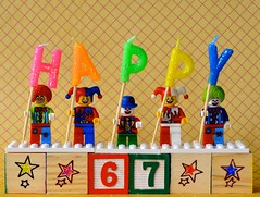 Happy Birthday to Me (linda_lou2) Tags: 365the2018edition 3652018 day88365 29mar18 88365 365toyproject odc numbers lego minifigure minifig blocks toy happy candles clown jester series1 smallclown series5