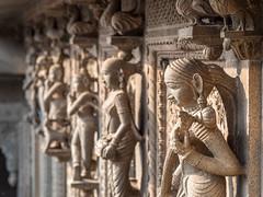 LR Madhya Pradesh 2018-2240176 (hunbille) Tags: birgittemadhyapradesh20182lr ghat ahilyabai ghats ahilyabaighat india madhya pradesh madhyapradesh maheshwar narmada river holy ahilya palace fort stone carving dof akhileshwar temple repetition row