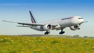 AIR FRANCE B777-328(ER)
