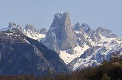 EL NARANJO DE BULNES DESDE POO DE CABRALES (17-04-2018) (mflinera) Tags: asturias cabrales naranjo de bulnes montaña pico nieve