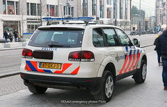 Dutch police Volkswagen Touareg (Dutch emergency photos) Tags: politie police polizei polis policia polisie politi policie polisia nederland nederlands nederlandse netherladns netherlands dutch cop cops car cars vehicle van auto voertuig voertuigen amsterdam capital hoofdstad amstelland emergency 999 911 112 blue lights road city town volkswagen cw vw touareg 87gkj3