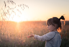 Sometimes you can almost touch the light (Bai R.) Tags: child childhood children joy happy happiness sun sunset sunsetlight light backlight springtime spring