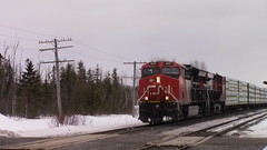 CN 305 Through the siding in Saint Leonard (MaineTrainChaser) Tags: cn 305 trains train es44ac west westbound qc nb napadogan pelletier sub