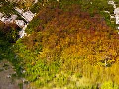 Šatorsko jezero (Leonardo Đogaš) Tags: šatorskojezero lake autumn bosna bosnia bosnaihercegovina jesen jezero colors spirala spiral leonardođogaš water bojejeseni voda