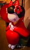 Lovely geisha (Pablo Arrigoni) Tags: japón geisha japan japanese umbrella paraguas rojo color colors colores colours flower flores red sitting sentada waiting esperando espera asia asian light luz trip viaje canon eos eos70d 70d 18135 nice