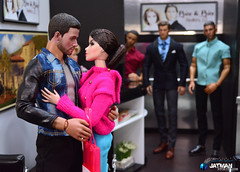 JATMAN - Sell Me E02 - 3 (JATMANStories) Tags: fashionroyalty 16scale 16 diorama doll dolls dollcollecting dollhouse drama hottoys actionfigure nuface vanessa
