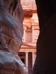 Treasury, Petra (Hammerhead27) Tags: timeless historic beauty rock red carving treasury architecture famous tourist view jordan petra classic