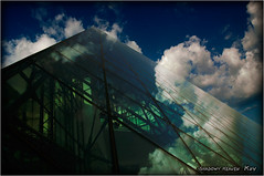 HIDAMARI... (SHADOWY HEAVEN Aya) Tags: 05081170s0257 tokyocameraclub igers igersjp phosjapan picsjp 日本 北海道 ファインダー越しの私の世界 写真好きな人と繋がりたい 写真撮ってる人と繋がりたい 写真の奏でる私の世界 空 雲 モエレ沼公園 イサムノグチ 札幌 sapporo moerenumapark isamunoguchi ガラスのピラミッド cloud clouds sky coregraphy japan hokkaido