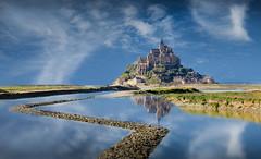 reflet mont st michel (cristgal56) Tags: montstmichel paysage eau mer monument france