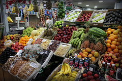 Mercado de San Telmo (elianek) Tags: mercado market buenosaires argentina santelmo fruits vegetables frutas vegetais food foods