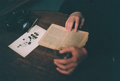 (rumeysa kalender) Tags: canon pentax tea kitap books colorfilm ishootfilm filmisnotdead analogcolor analogfilm analogphoto analogue