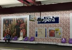 IMG_4030 (Juan Valentin, Images) Tags: paris france juanvalentin subway métro station estación tren empapelado wallpaper decorated decoration decoración opera