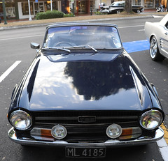1972 Triumph TR6 (D70) Tags: nikon d700 28300mm f3556 ƒ63 283mm 1160 2000 1972 triumph tr6 classic cars cruise night first wednesday month hosted by stragglers cambridge victoria street new zealand cambridgewest waikato