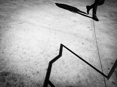 Zigzag (Hans-Jörg Aleff) Tags: hansjörgaleff losangeles blackwhite streetphotography zigzag california usa