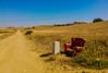 Descanso en el Camino(92/365) (Walimai.photo) Tags: sofá couch campo field camino de santiago vía la plata san marcial zamora spain españa bq a45 detail detalle color