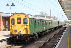 1001 . Ely Station , Cambridgeshire . Saturday 21st-April-2018 . (AndrewHA's) Tags: ely station cambridgeshire railway preserved class 201 diesel electric multiple unit 1001 thumper 1z30 charter train railtour