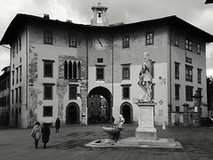Conte ugolino's tower in piazza dei cavalieri, Pisa, Italy. An amazing example of medieval architecture (matteoleoni1) Tags: pisa architecture tower blackandwhite cloudy square tourism tuscany