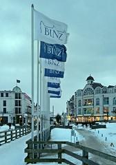 Binzer Fahnen (lt_paris) Tags: urlaubinbinz2018 binz rügen seebrücke fahnen winter schnee ostsee