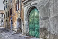 La porta verde (Matjaž Skrinar) Tags: 100v10f 250v10f