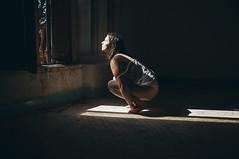 (Mishifuelgato) Tags: when you depressed hope appears nikon d90 50mm 18 alicante photography fotografía dark retrato boudoir oscuro negro portrait esperanza nikonphotography woman mujer pickoftheday photooftheday art arte artistic artística artístico