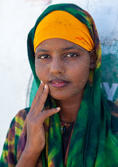 Portrait of a young woman wearing qasil on her face, North-Western province, Berbera, Somaliland (Eric Lafforgue) Tags: 1718years adultonly africa african africanethnicity barbara beautiful beauty berbera blackethnicity cosmetics cute developingcountry eastafrica face headandshoulders hijab hornofafrica islam islamic lookingatcamera moisture muslim oneperson onepersononly onewomanonly outdoors portrait pretty protection qasil soma4048 somali somalia somaliland vertical waistup women youngwoman northwesternprovince