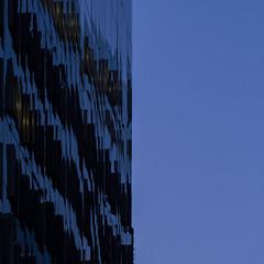 liquid sky (Cosimo Matteini) Tags: cosimomatteini ep5 olympus pen m43 mzuiko60mmf28 london city cityoflondon squaremile ropemakerstreet architecture building bluehour blue fragmented reflection