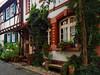 Petite rue d'Heppenheim (Allemagne) (Michele*mp) Tags: europe allemagne germany deutschland hesse heppenheim façades facades weekendflickr weekendmaisonsàcolombages rue ruelle narrowstreet michelemp