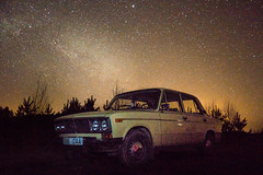 A star under the milky way (Loore-Ly) Tags: car oldfashion oldcar hedlights drive motor milkyway stars night ride wheels
