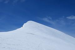 Quimboa Baxo (2.071) (Pol Puig Collderram) Tags: zuriza pirineo pyrenees esqui de travesía skimo skirando randonne montaña mountain mountaineering powder sun spring landscape fujifilm fujifilmxt10 mirrorless europe travel nature outdoor wilderness clouds