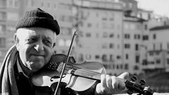 Malinconia (Raffa2112) Tags: ritratto violinista artistadistrada streetartist portrait violinist canoneos750d raffa2112