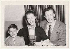 Vintage Snapshot : WHBC Radio Family : Canton OH (CHAIN12) Tags: vintage photo scan scanned girl younglady boy man lady radio whbc canton oh ohio kthyphts3whbcradiocantonohfamily gerald collier