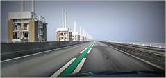 Sur l'Oosterscheldekering (Barrage de l'Escaut oriental), Noord-Beveland, Kamperland, Nederland (claude lina) Tags: claudelina nederland hollande paysbas zeeland zeelande oosterscheldekering barragedelescautoriental barrage pont bridge road