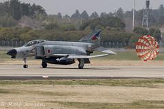 87-8407 McDonnell Douglas RF-4E Phantom Japan Self Defence force Hyakuri air base RJAH 03.04-18 (rjonsen) Tags: plane airplane aircraft aviation military fighter jet braking chute parachute