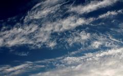 Nuvole (dona(bluesea)) Tags: nuvole clouds cielo sky blu blue libertà freedom